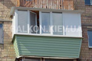 Обшить балкон сайдингом